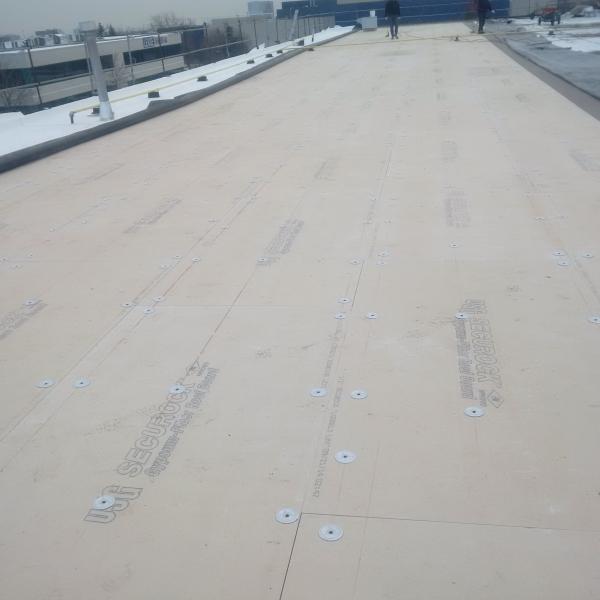 Large Industrial Manufacturer Oakville 171 Crawford Roofing